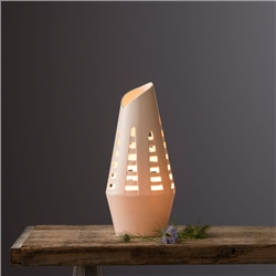 Belleek Living Horsetail Lamp By Wendy Ward