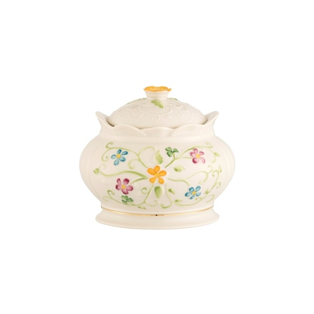Belleek Classic Daisy Blossom Gift Box  - Click to view a larger image