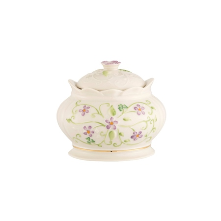 Belleek Classic Irish Flax Gift Box  - Click to view a larger image