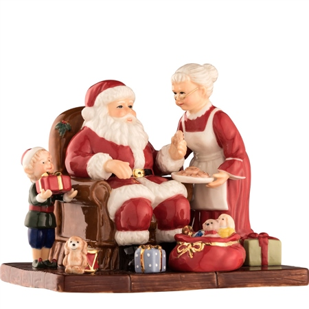 Aynsley Santa and Mrs Claus  - Click to view a larger image